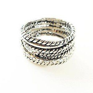 INC Ring Size 7 (R19)